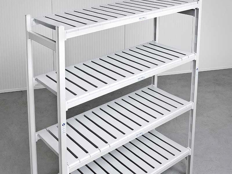 High density shelving system for cold rooms
