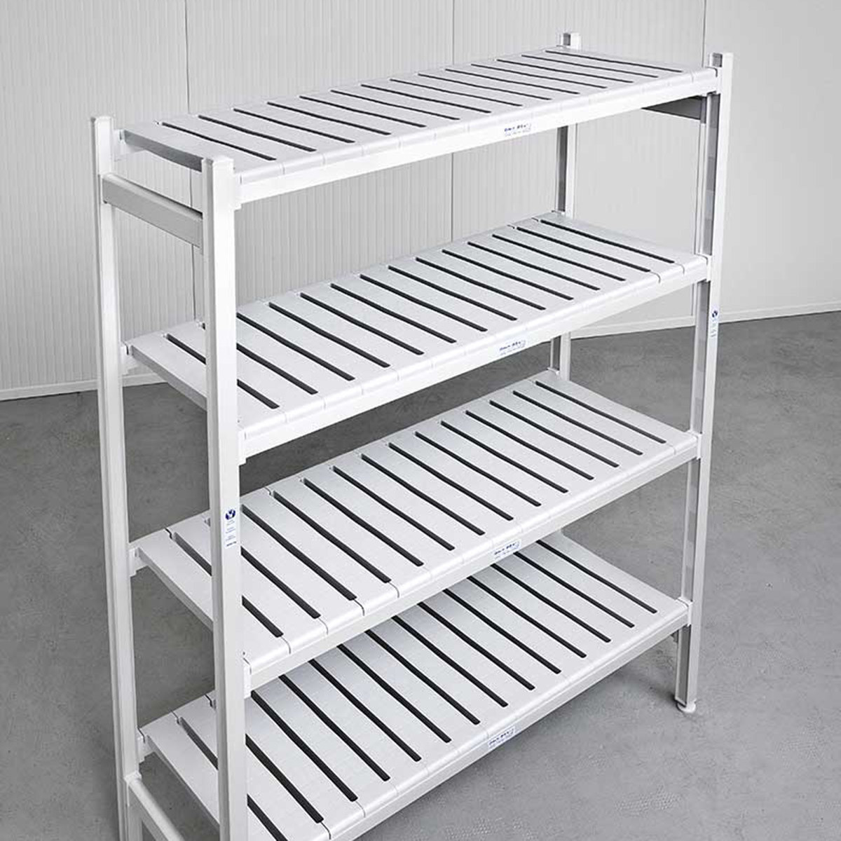Modular shelving for cleanrooms